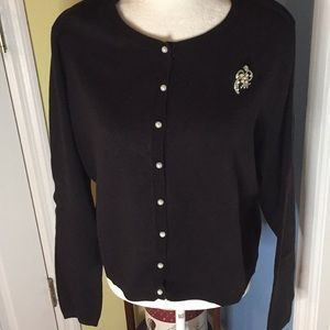 Apostrophe Black Cardigan pearl buttons/Broach XL